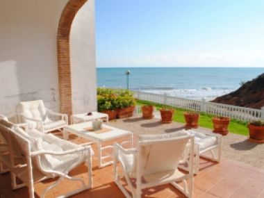 1883 - Townhouse in the first line of the sea - Campoamor - Costa Blanca