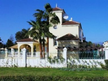 1902 - Villa for rent beachfront - Puerto Banus - Costa del Sol