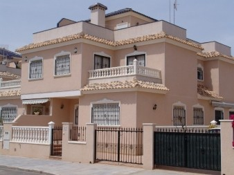 1825 - For Rent - Townhouse - Torre de la Horadada - Costa Blanca